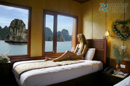 Ha Long - Indochina Cruise