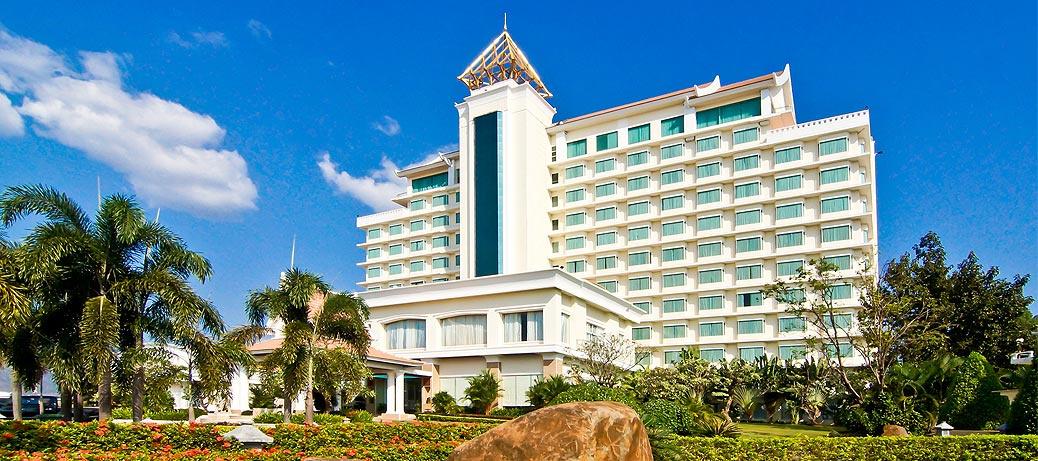 チャンパーサック グランド ホテル