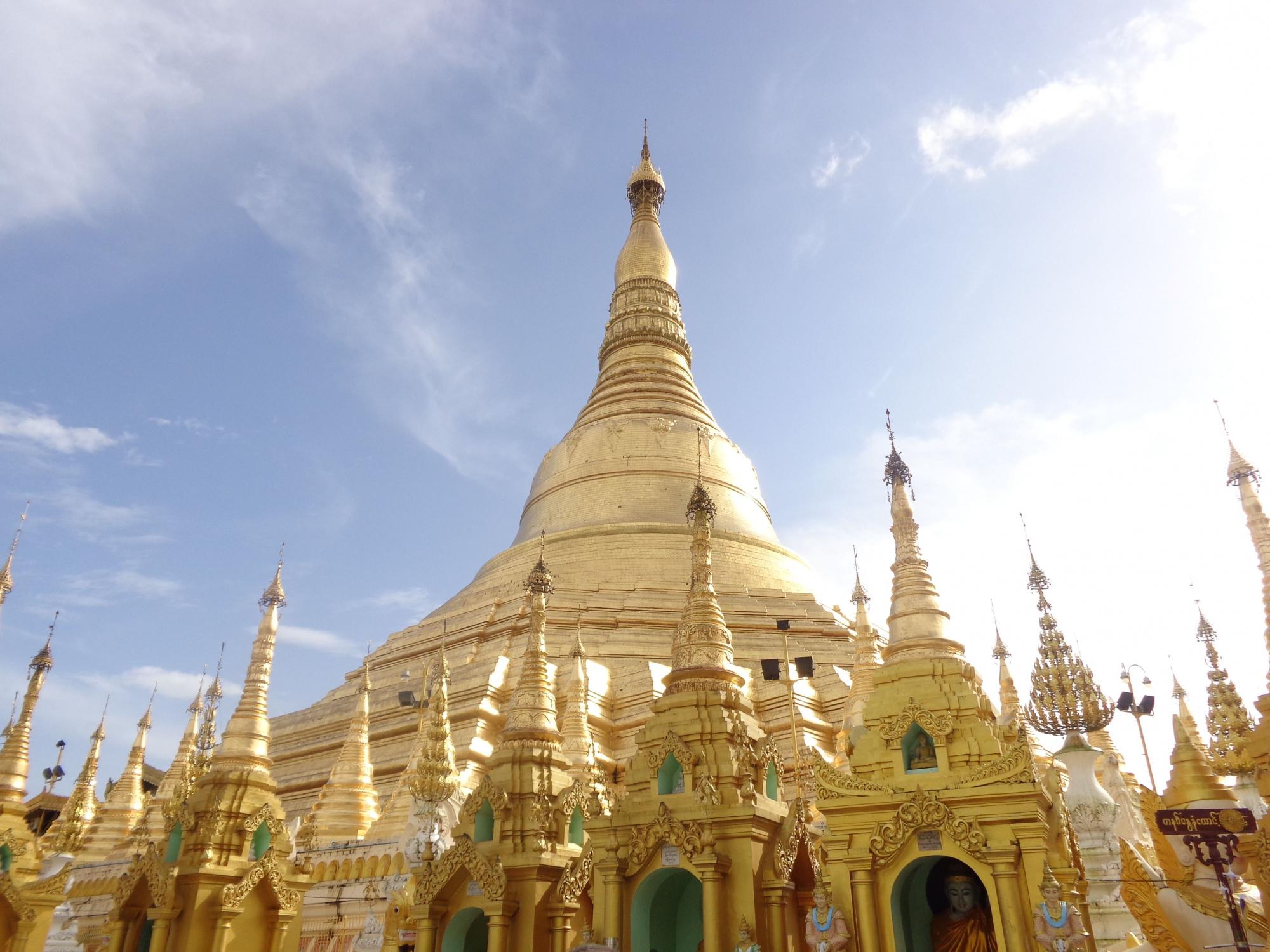 一日:ヤンゴン市内観光