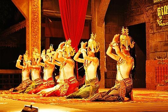 夕食:Angkor Howard アンコールハワード(中華料理)