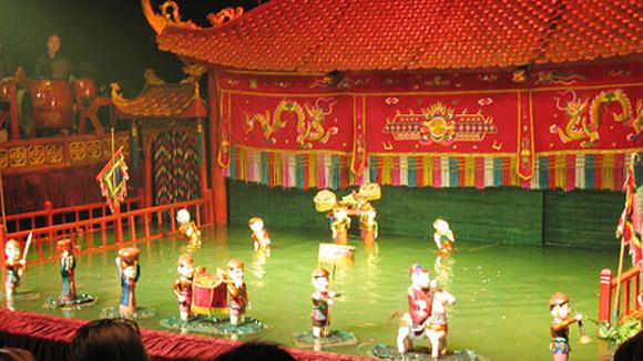 伝統芸能水上人形劇観賞と夕食(ベトナム料理STDメニュー)