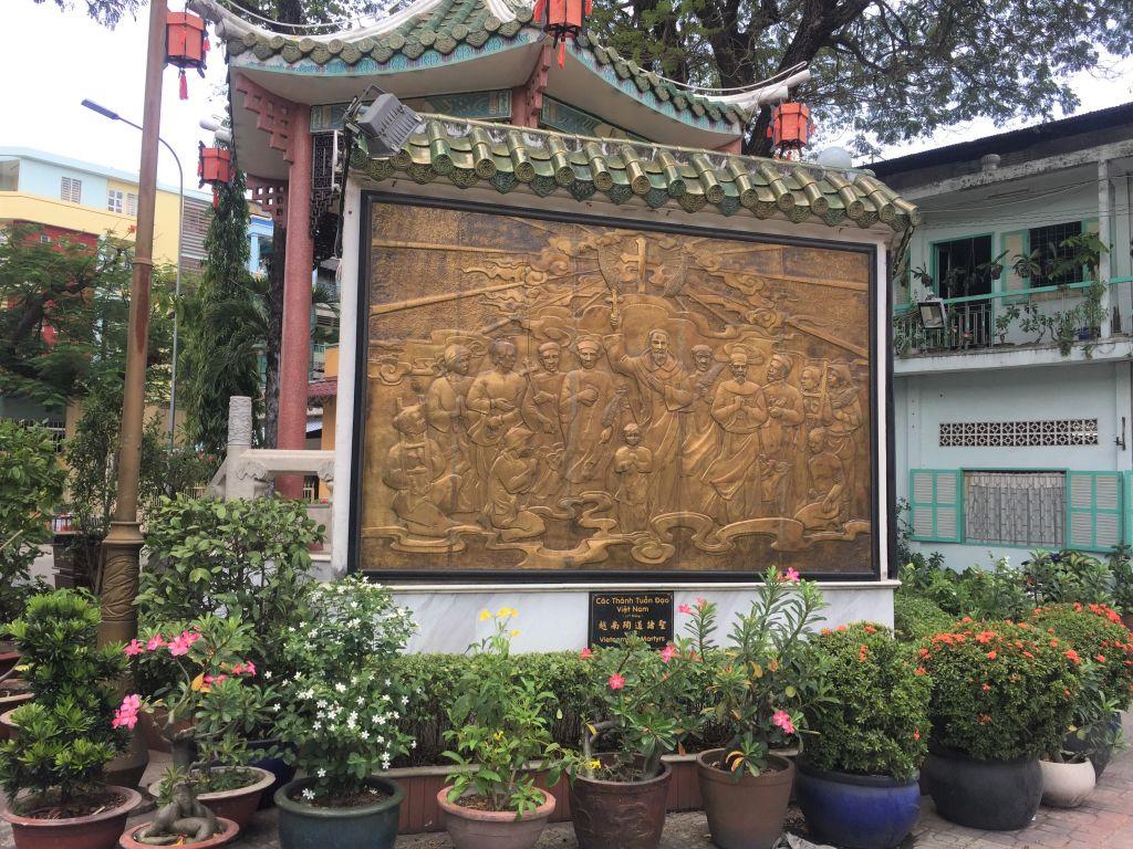 半日:中国人街と寺院と市場(昼食無)※2016年11月15日からビンタイ市場は1年間改修工事のため入場不可、ベンタイン市場へご案内いたします。