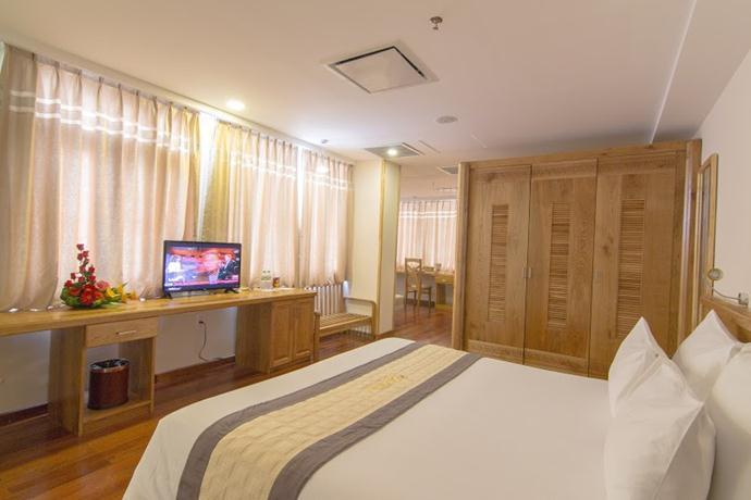 ロマンスホテル
