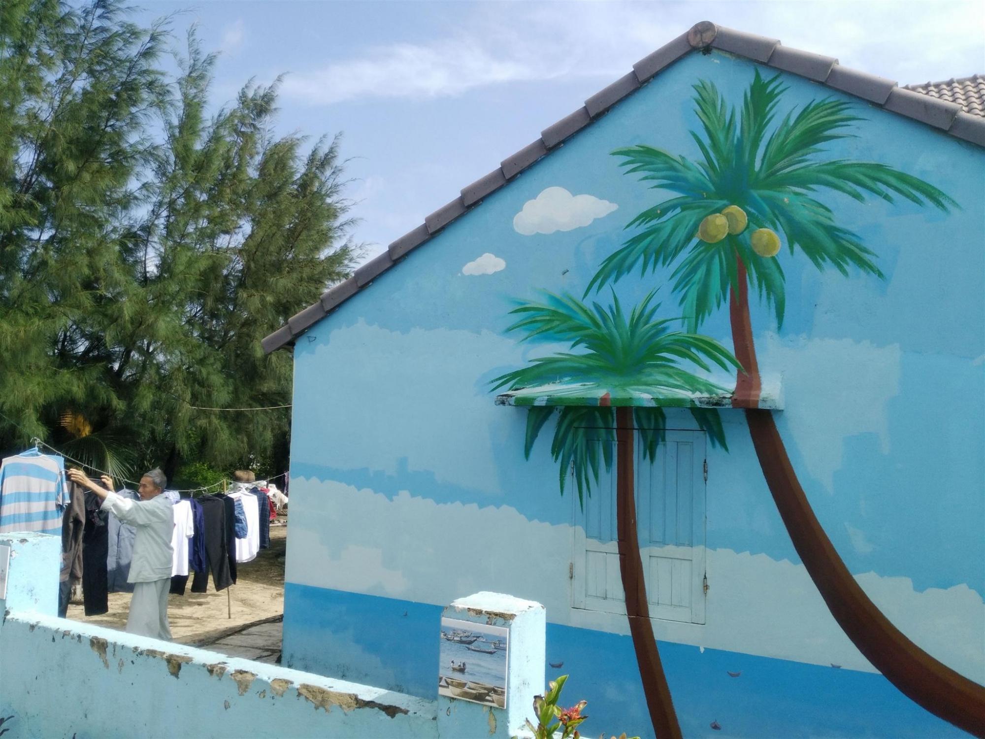 一日:フォトジェニックな壁画村タムキーとホイアン&夕食