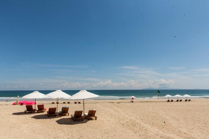 一日:4つ星ブティック ホテルズ  Cocobay Da Nang 1Day Pass(13:00-22:00)/送迎なし 3.お部屋とプライベートビーチ、セットメニューディナー+ダナン空港送迎 ※4月~9月限定