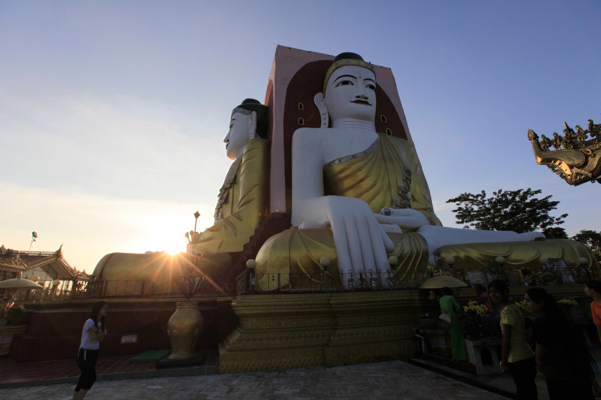 古都バゴー日帰り観光&ミャンマー最大の聖地シュエダゴンパゴダ(昼食&夕食付/日本語ガイド)