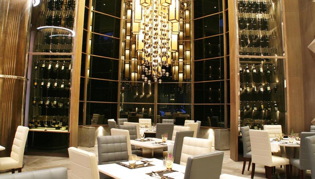ニューワールド ホテル